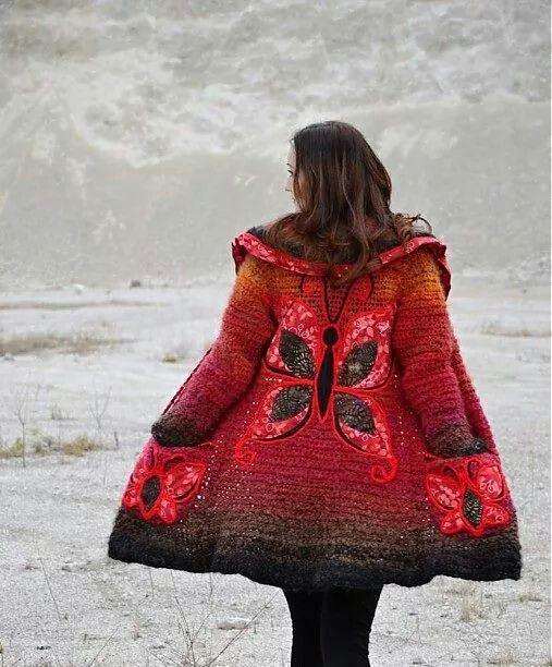 Bellísimo tapado en crochet con aplique de mariposas♥♥♥♥♥