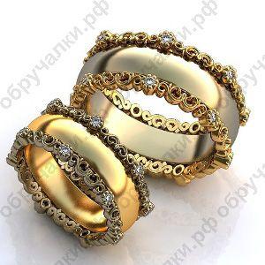 Широкие обручальные кольца из комбинированного золота с ажурными ободками и бриллиантами на заказ