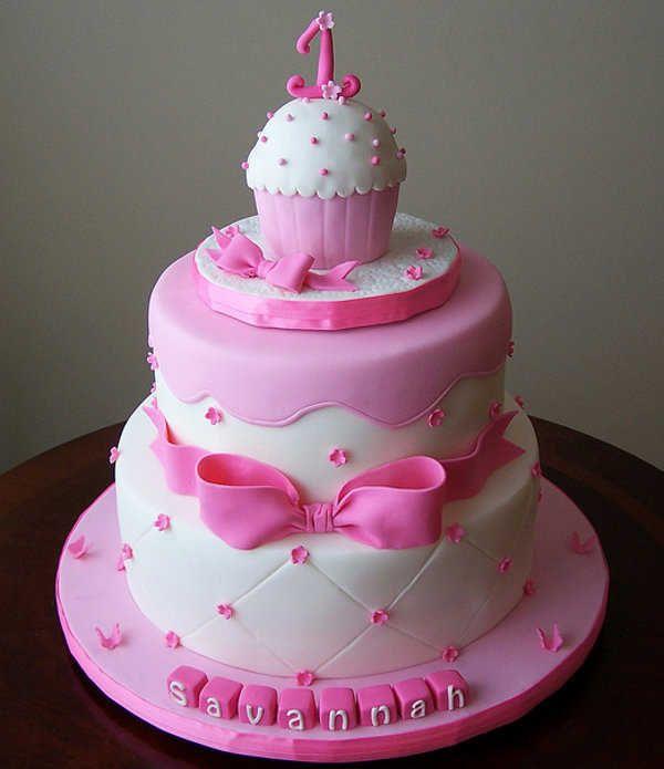 Utiliza diseños creativos para la torta de tu bebé