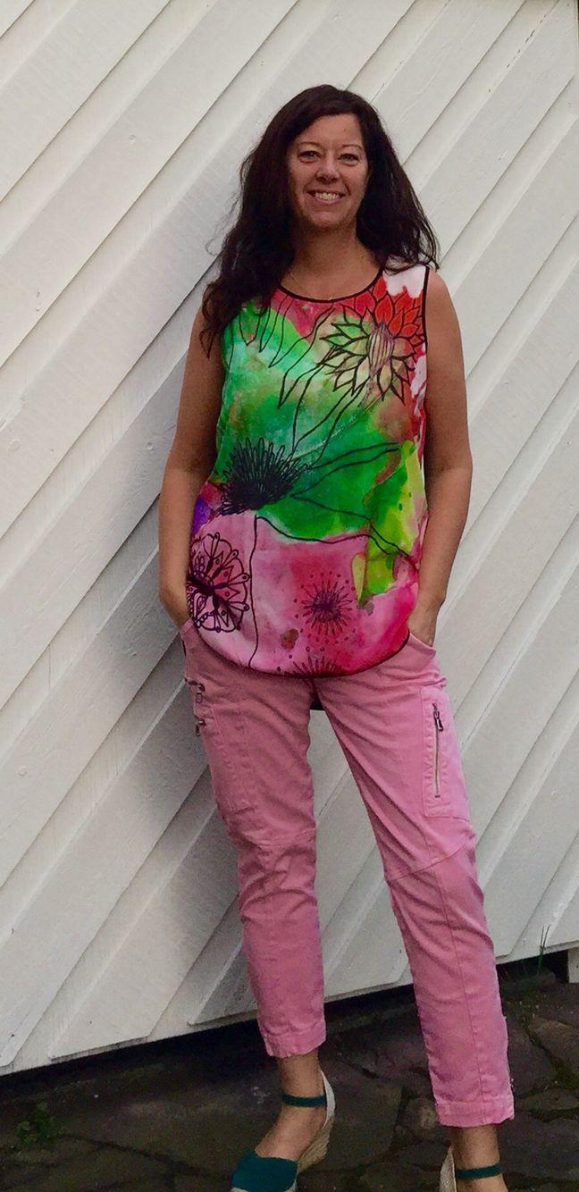 Beautiful top with art design by Jeanette Wetterstein Larsen. Buy it on www.shopvida.com/collections/voices/jeanette-wetterstein-larsen Price 75 USD