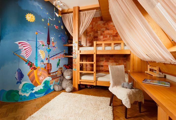 Детская комната в трехэтажном доме