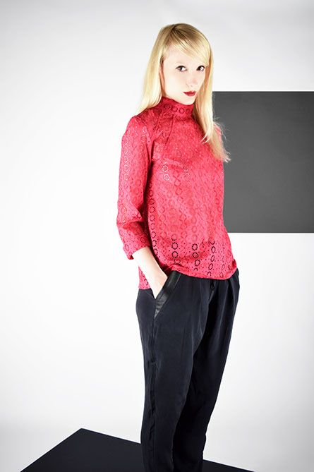 Blouse GRACE Broderie Anglaise Magenta - Pant Loose MANCHESTER Soie Black