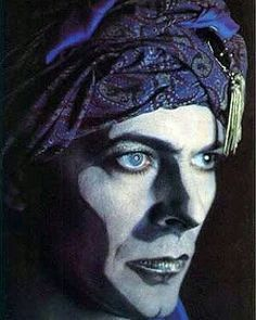 David Bowie... An extraordinary and memorable example of Attitude! ///// #DavidBowie #Attitude #Music #Eternal