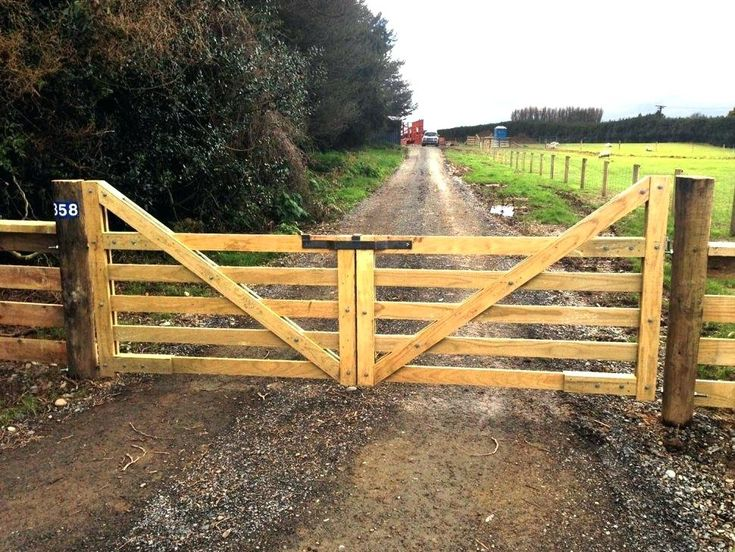Four Rail Country Fence