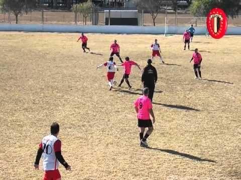 Imágenes del partido de Fútbol Senior disputado el Domingo 25.08.13 entre La Gloria y ADAF en el Torneo 125º Aniversario de la Fundación de Devoto (Argentina).