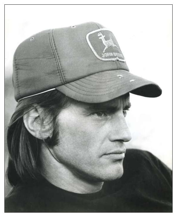 """""""It's funny, in a way the actor is a writer. It's not like the two things are so separate as to be like apples and oranges. The writer and the actor are one."""" Sam Shepard"""
