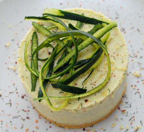 """750g vous propose la recette """"Bavarois de courgette et saumon"""" notée 4.1/5 par 20 votants."""