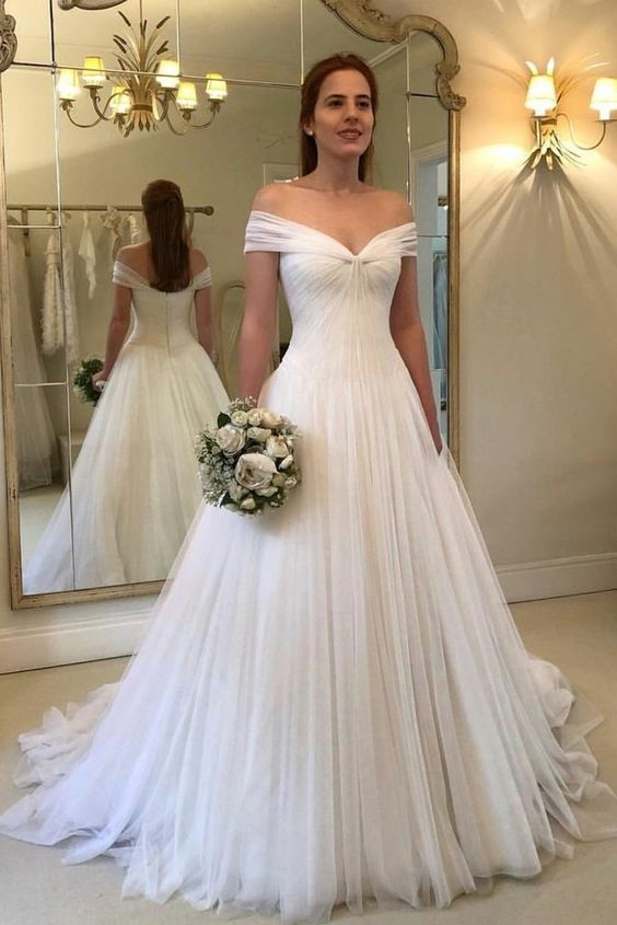 Pleated wedding dress Off-the-shoulder wedding dress Ivory Wedding Gowns Tulle Skirt