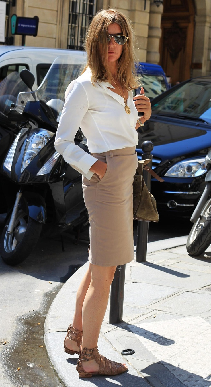 Carine Roitfeld - casual pencil skirt and sandals