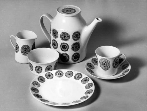 DigitaltMuseum - Porselens kopp og skål fra Porsgrunn Porselen