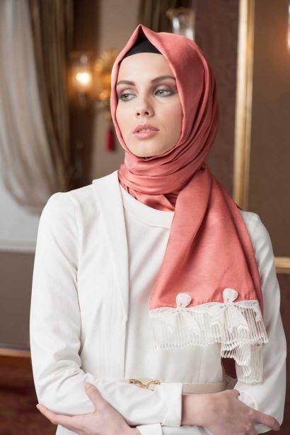 Neva Style - Dantelli İpek Görünümlü Şal  Fiyat : 49,90 TL Sipariş Link : http://bit.ly/1sBbDgY Diğer Modeller için : http://bit.ly/WewrgQ #InstaSize #moda #tasarım #tesettür #giyim #fashion #ınstagram #etek #tunik #kap #kampanya #woman #alışveriş #özel #zerafet #indirim #hijab