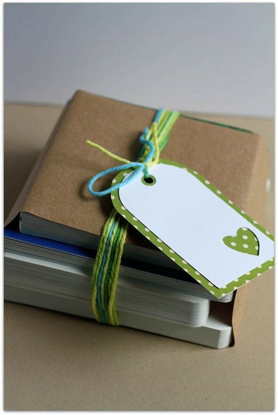 tags: Tags Ideas, Gift Wrapping, Paper Tags, Gifts Wraps, Gift Tags, Gifts Tags, Cut Outs, Simple Tags, Simple Gifts