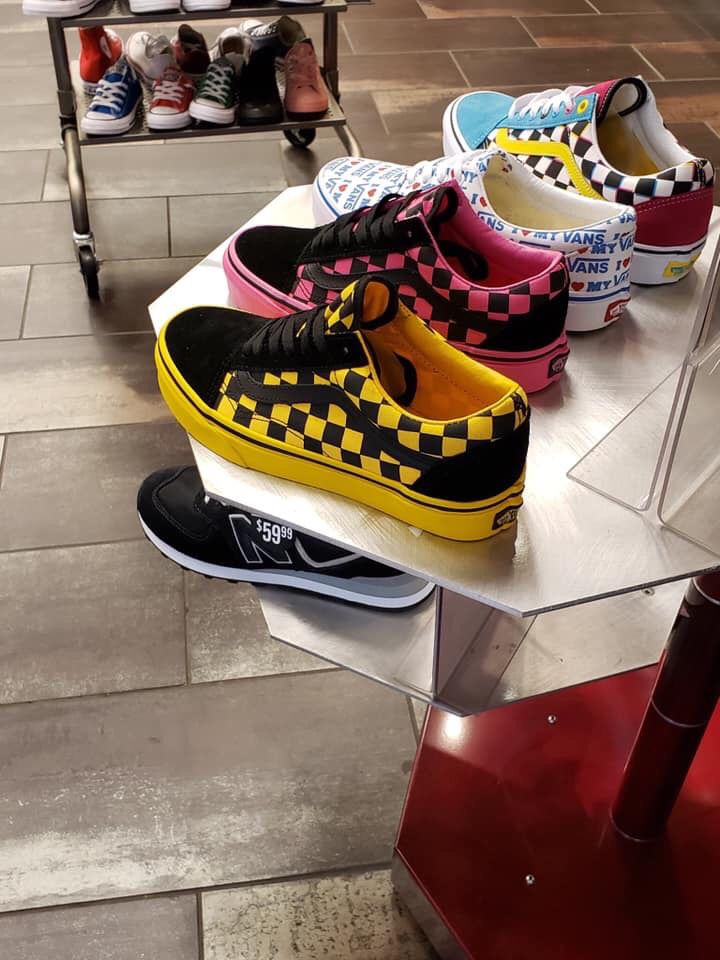 Pinterest   @ Haleyyxoo†   Vans shoes, Custom vans shoes, Shoes