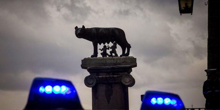 """Simona Investigazioni: """"Mafia capitale"""". Il boss e i servizi segreti"""