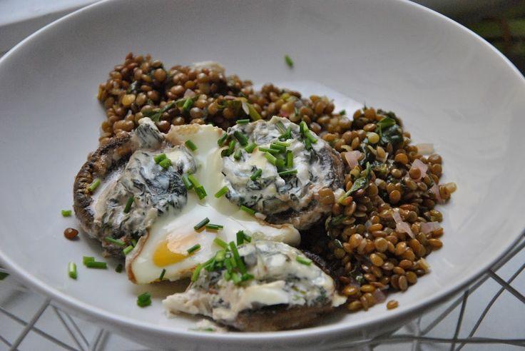 Gefüllte Champignons mit Balsamico-Linsensalat