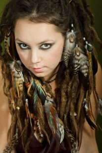Feathers ropes on the dreads locks