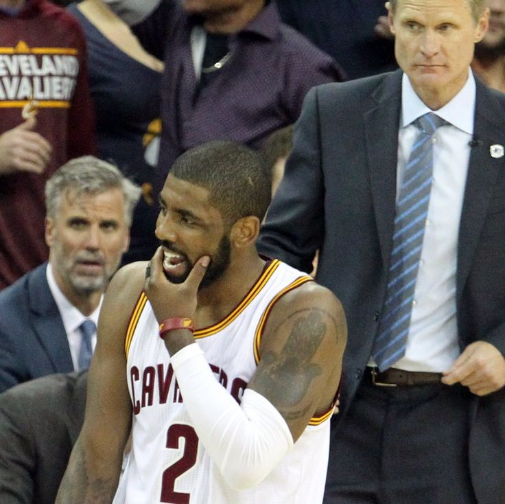 Kyrie Irving rejects Stephen Curry in the first half of NBA Finals Game 4 (video) - http://thisissnews.com/kyrie-irving-rejects-stephen-curry-in-the-first-half-of-nba-finals-game-4-video/