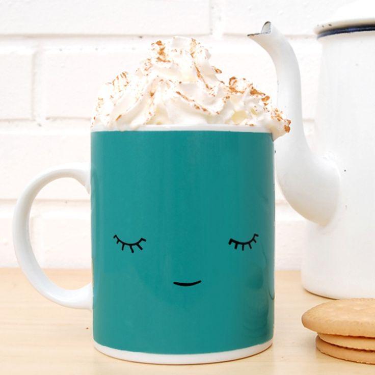 La taza perfecta para relajar y disfrutar de un buen café o té. Taza de porcelana blanca impresa en España