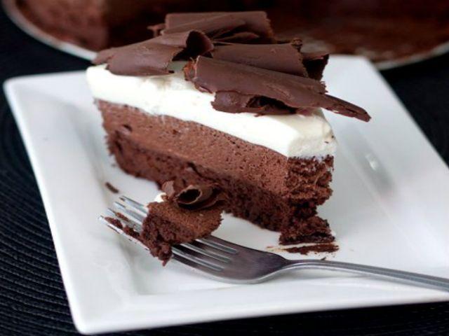 Mousse Gelada de Três Chocolates Receita: http://www.docesregionais.com/mousse-de-tres-chocolates/