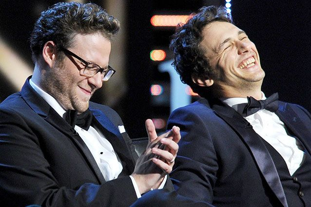 CULVER CITY, CA - 25 de agosto: Master Roast Seth Rogen y James Franco roastee en el escenario durante el Comedy Central Roast of James Fran...