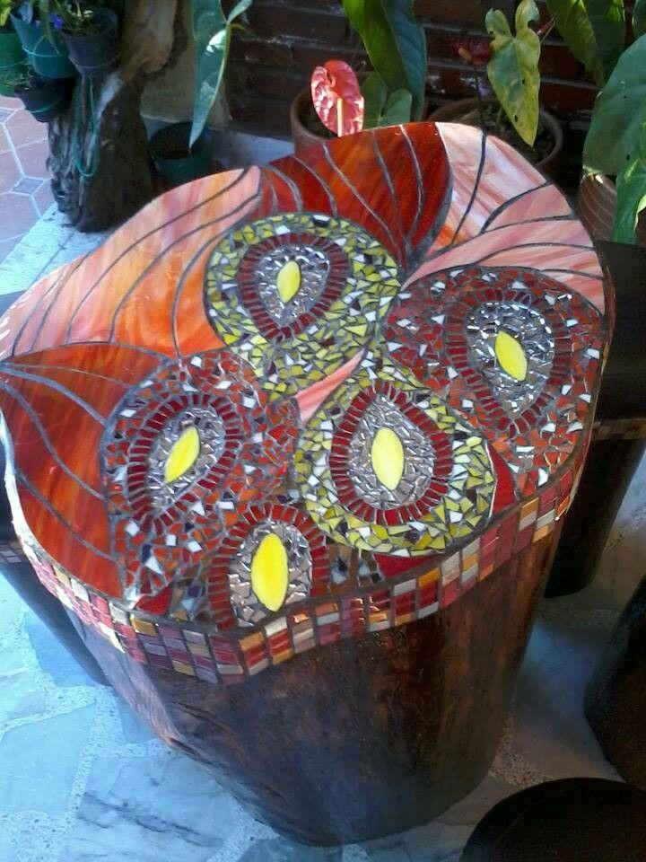 Mesa tronco decorada con vitromosaico