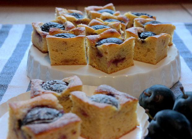 Csábítóan fahéjas illatú gyümölcsös sütire vágysz? Ne keress tovább, ez itt a te recepted! Könnyű diétás finomság, cukor nélkül kés...