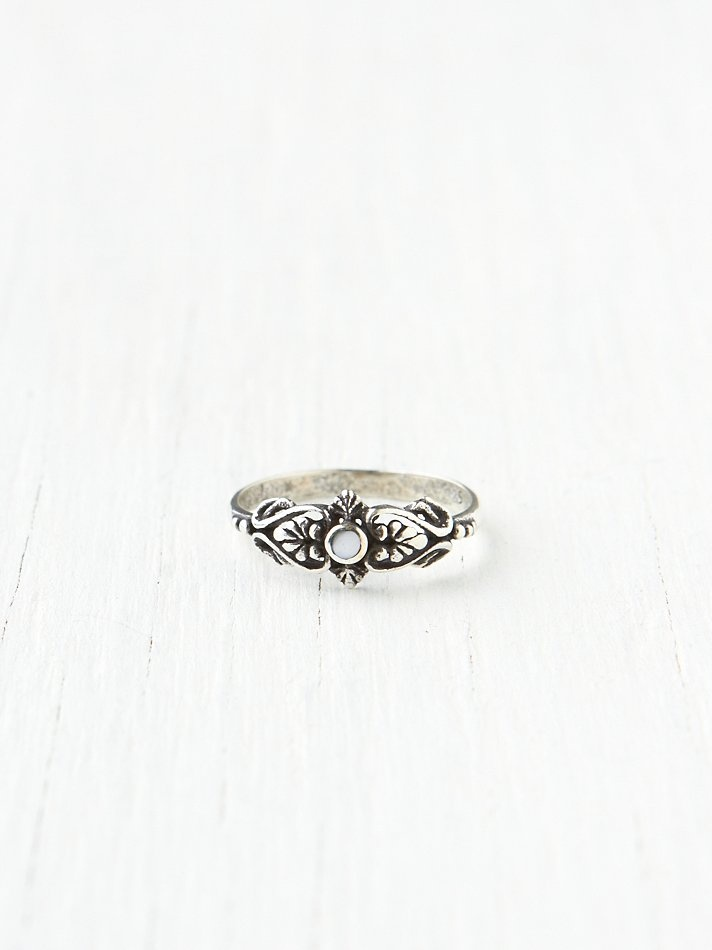 Delicate Organic Stone Ring
