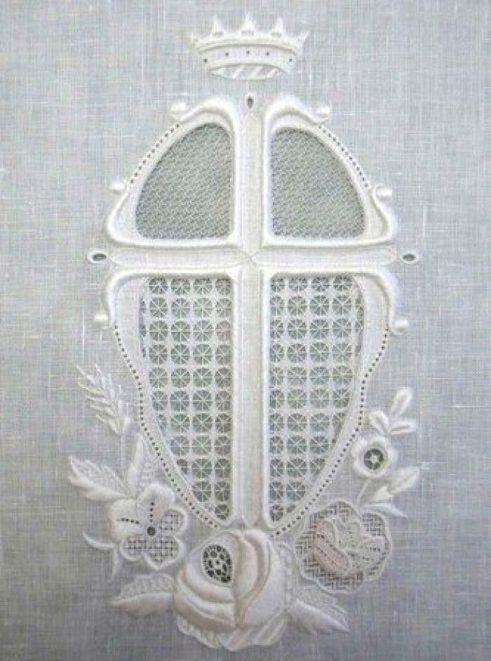 Beautiful Whitework Embroidery Apprentice, Emi Nimura