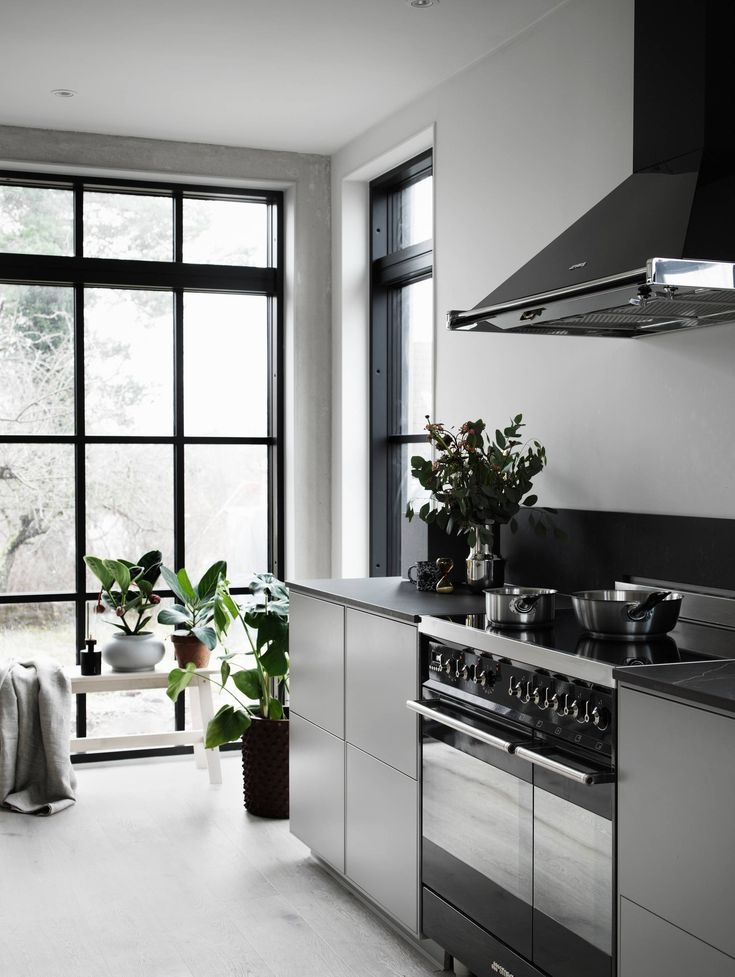 Valerie Aflalos beautiful kitchen with Smeg appliances!