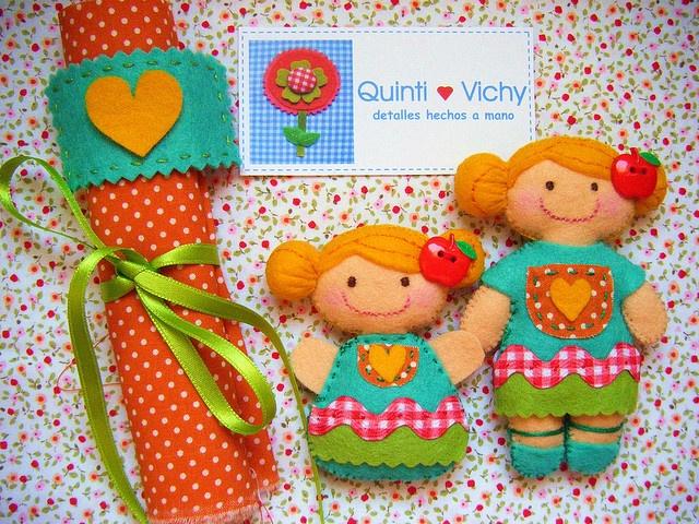 Muñequitas Quinti Vichy corazón amarillo by El mundo Quinti Vichy, via Flickr