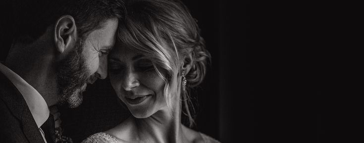 Well, it's been almost a year since I shot this one - George and Suzie's cosy winter wedding at the Gate Street Barn in Surrey is now on the blog!