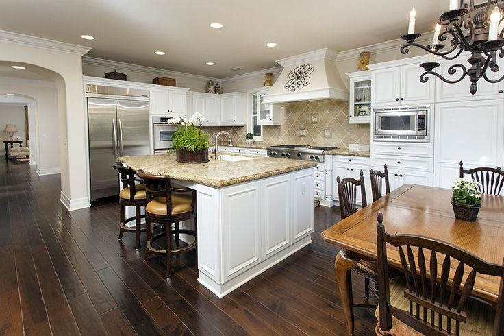 Perched on top of Quail Hill, this former plan 4 model home offers four bedrooms, a spacious loft/bonus room, an office/retreat, great room, separate formal living room and dining room.