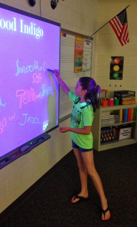 Beginning of music class listening activity Pass the Pen  EXCELLENT idea for 3rd/4th grade!