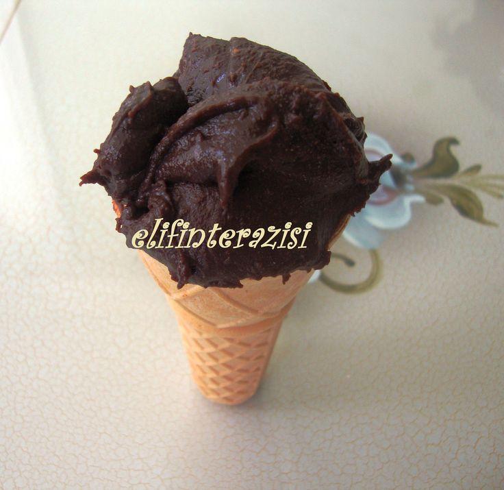 Elif'in Terazisi: Süt reçeliyle boool çikolatalı dondurma