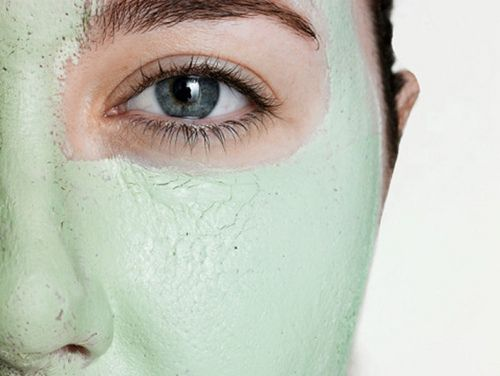 Esfoliação ajuda a limpar os poros do rosto