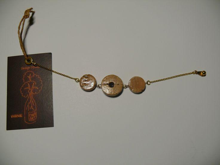 Wine cork art, Made in Ukraine Украшения, браслеты и бабочки из винных пробок.http://www.cork-art.com/