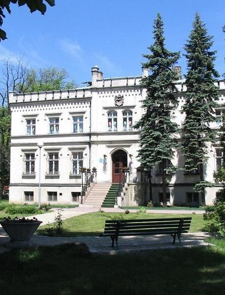 Neogotycki pałac w Mrozowie www.idodo.pl