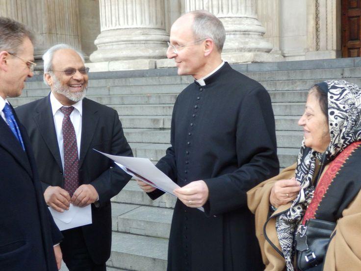 Us with the Dean - Julian Bond, Dr Shuja Shafi, Very Revd Dr David Ison, Syeda Khalida Rehman