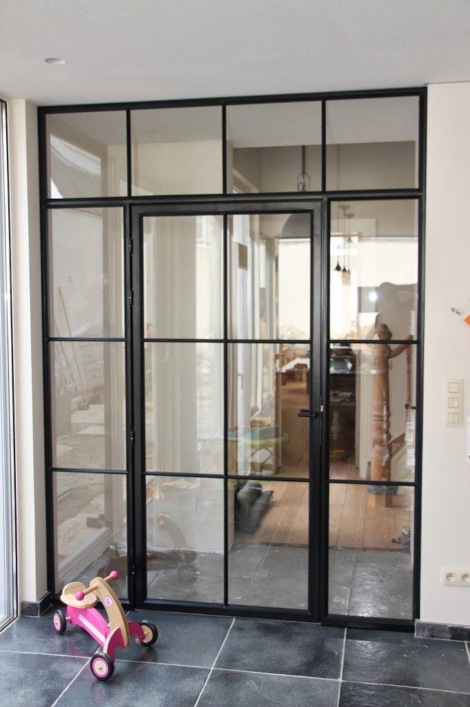 Mooie stalen deur van gang naar kamer. Johnny Declercq - Metaal op Maat -België