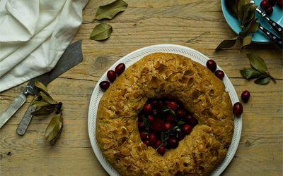 Receta de roscón de Reyes saludable, hecho con harina de espelta y leche de avena. Un dulce perfecto para tomarlo rodeado de amigos y familia.