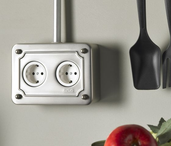 Venezia Collection by Fontini // power plugs. Do they have an american one?
