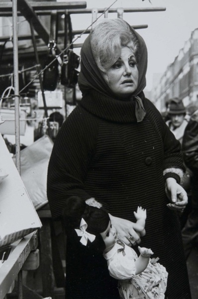If I had to define the East End of London, this photo does it effortlessly. Looks like she's had a tough life.  Dorothy Bohm; Petticoat Lane Market, East End, London circa 1960