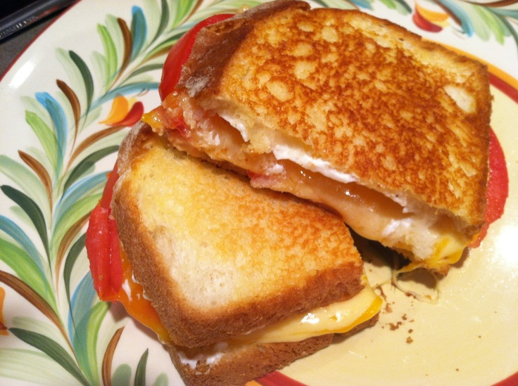 Grilled Tomato and Three Cheese Sandwich (with Gouda, Cheddar and ...