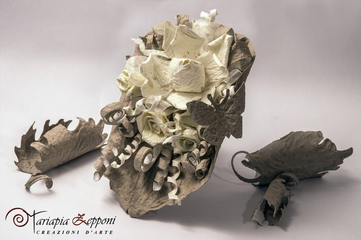 Handmade paper bouquet. Unique wedding accessories by mariapia Zepponi Italy