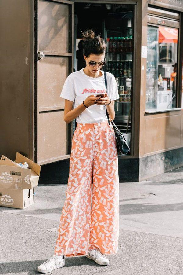 Street Style. A pantalona estampada é uma ótima escolha para a meia estação.