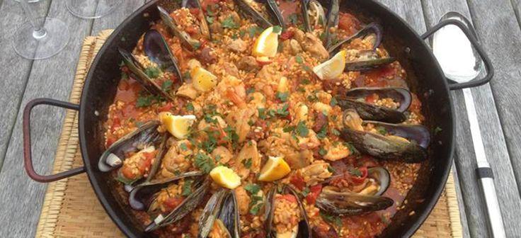 Summertime Paella with Chicken, Chorizo & Mussels