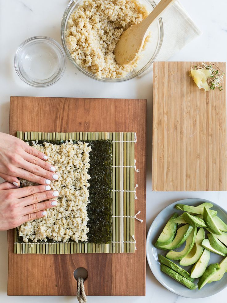 How-To-Roll-Avocado-Brown-Rice-Quinoa-Sushi-Vegan-Vegetarian-Easy-07