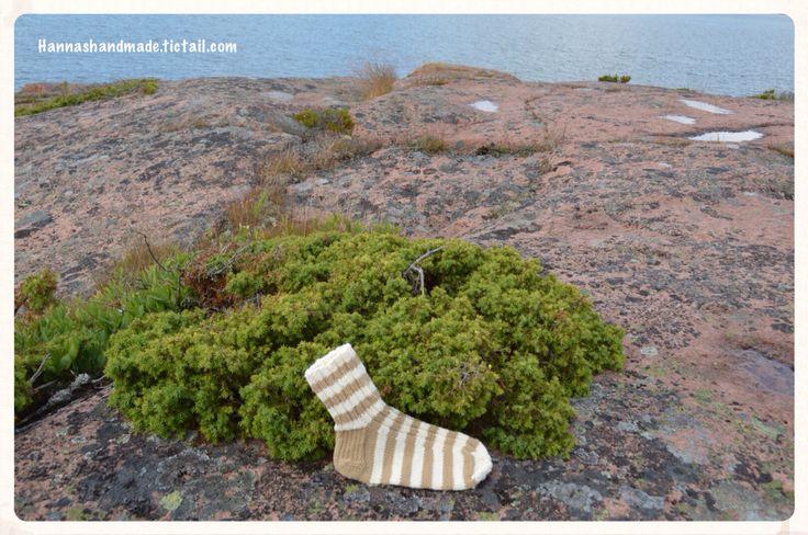 #stripes in the #island #Rödhamn #rock #sea #woolsocks #handmade #madeinfinland