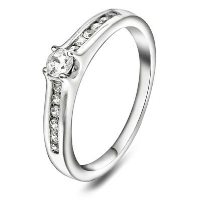 Ring i 375 gull med diamant 0,33ct WP