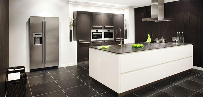 greeploze design keuken met luxe apparatuur: Brugman Keukens